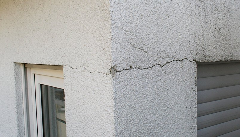 fissure facade